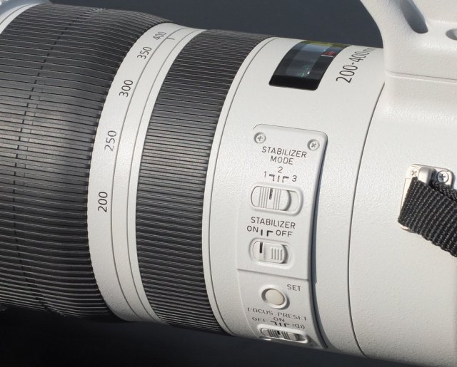 Canon EF 200-400 f/ 4L IS USM EXTENDER 1.4x lens