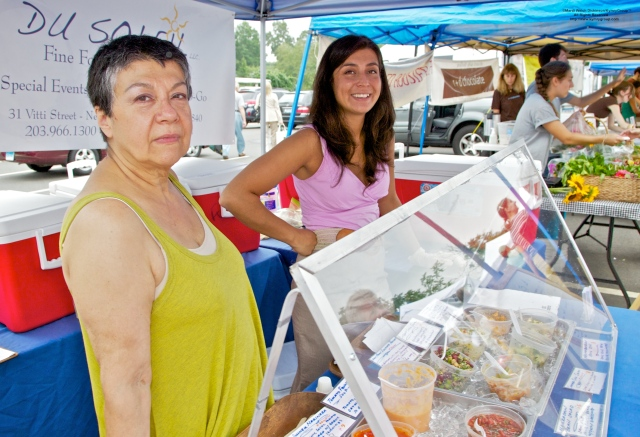 l. to r. Soledad Castillo Blanko, Maria Munoz Del Castillo. Du Soleil. Westport Farmers Market. ©Mardi Welch Dickinson/Kymry Group™ All Rights Reserved
