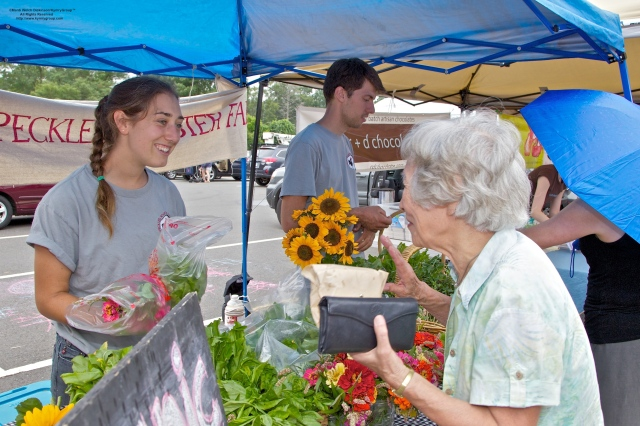 Customer's last stop for flowers.Westport Farmers Market, ©Mardi Welch Dickinson/Kymry Group™ All Rights Reserved