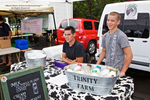 l. to r. ? Trinity Farm. Westport Farmers Market, ©Mardi Welch Dickinson/Kymry Group™ All Rights Reserved.