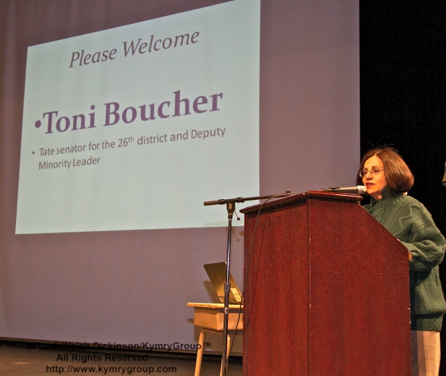 Toni Boucher, State Senator for the 26th district and Deputy Minority leader. Speaker, CTNOFA Winter Confdrence 2013, Wilton High School, Wilton, CT. ©Mardi Welch Dickinson/KymryGroup™ All Rights Reserved.