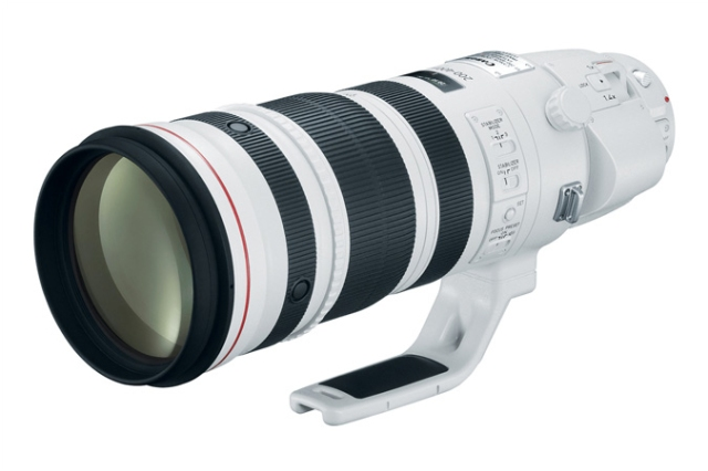 NEW Canon EF 200-400 f/4L IS USM Extender 1.4x lens. Photo Courtesy of  ©Canon USA.